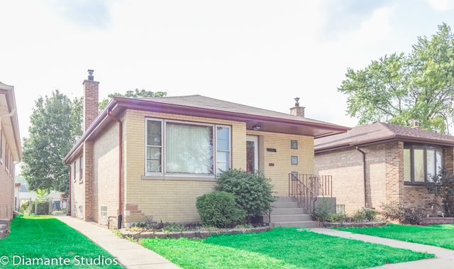Photo for 12420 S Justine Street, CALUMET PARK, IL 60827 (MLS # 09738858)