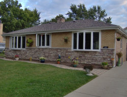 Photo of 327 Berkshire Terrace, ROSELLE, IL 60172 (MLS # 09747636)