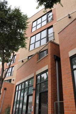 Photo of 2432 W Madison Street, Unit Number 3, CHICAGO, IL 60612 (MLS # 09752353)