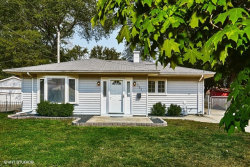 Photo of 157 E Dennis Road, WHEELING, IL 60090 (MLS # 09752791)