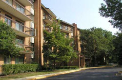 Photo of 601 Lake Hinsdale Drive, Unit Number 210, WILLOWBROOK, IL 60527 (MLS # 09754326)