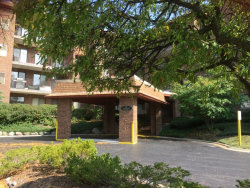 Photo of 101 Old Oak Drive, Unit Number 117, BUFFALO GROVE, IL 60089 (MLS # 09756609)