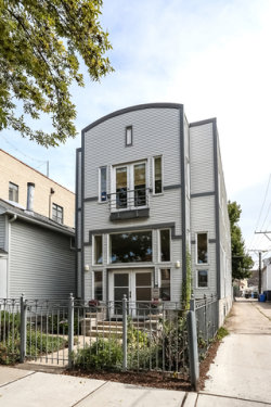 Photo of 2815 N Lakewood Avenue, CHICAGO, IL 60657 (MLS # 09758900)