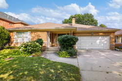 Photo of 7251 N Kedvale Avenue, LINCOLNWOOD, IL 60712 (MLS # 09763151)