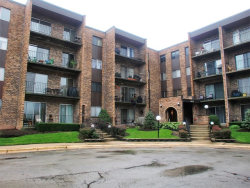 Photo of 625 W Huntington Commons Road, Unit Number 402, MOUNT PROSPECT, IL 60056 (MLS # 09776281)