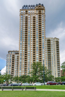 Photo of 2550 N Lakeview Avenue, Unit Number 3301, CHICAGO, IL 60614 (MLS # 09780549)
