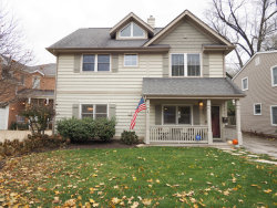 Photo of 833 N Hickory Avenue, ARLINGTON HEIGHTS, IL 60004 (MLS # 09799314)