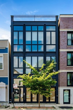 Photo of 2203 W Roscoe Street, Unit Number 2, CHICAGO, IL 60618 (MLS # 09800904)