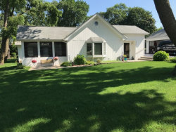 Photo of 25616 W Lakeview Avenue, WAUCONDA, IL 60084 (MLS # 09804351)