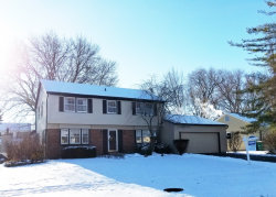 Photo of 109 Stonegate Road, BUFFALO GROVE, IL 60089 (MLS # 09808568)
