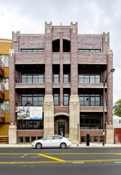 Photo of 5061 N Lincoln Avenue, Unit Number 401, CHICAGO, IL 60625 (MLS # 09833782)