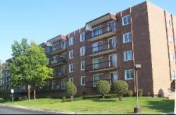 Photo of 8001 W Courte Drive, Unit Number 506, NILES, IL 60714 (MLS # 09836831)