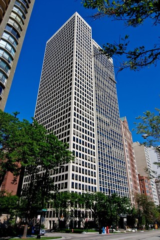Photo for 1110 N Lake Shore Drive, Unit Number 7S, CHICAGO, IL 60611 (MLS # 09855261)