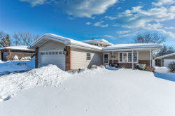Photo of 5715 Tennessee Avenue, CLARENDON HILLS, IL 60514 (MLS # 09856974)
