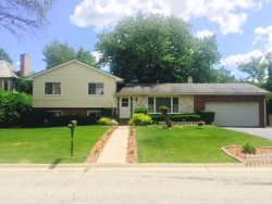 Photo of 627 Anthony Trail, NORTHBROOK, IL 60062 (MLS # 09858695)