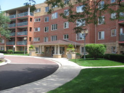 Photo of 720 Creekside Drive, Unit Number 303, MOUNT PROSPECT, IL 60056 (MLS # 09863156)