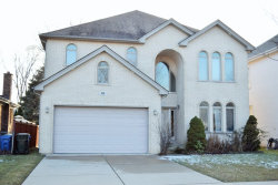 Photo of 329 Berkshire Lane, DES PLAINES, IL 60016 (MLS # 09863464)