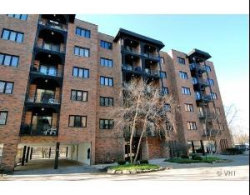 Photo of 9331 Landings Lane, Unit Number 504, DES PLAINES, IL 60016 (MLS # 09864816)