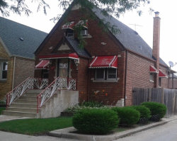 Photo of 2815 N Montclare Avenue, CHICAGO, IL 60634 (MLS # 09886629)