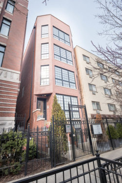 Photo of 536 W Oakdale Avenue, Unit Number 3, CHICAGO, IL 60657 (MLS # 09889466)