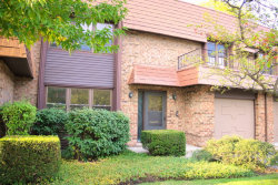 Photo of 3944 Dundee Road, NORTHBROOK, IL 60062 (MLS # 09889826)
