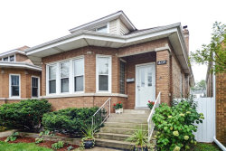 Photo of 6139 W Barry Avenue, CHICAGO, IL 60634 (MLS # 09892013)