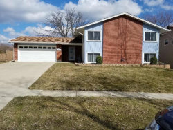 Photo of 5923 Ross Drive, WOODRIDGE, IL 60517 (MLS # 09909267)