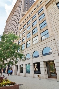 Photo of 318 S Michigan Avenue, Unit Number 300, CHICAGO, IL 60604 (MLS # 09923463)