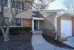 Photo of 929 S Pinetree Circle, BUFFALO GROVE, IL 60089 (MLS # 09929201)