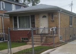 Photo of 3701 N Albany Avenue, CHICAGO, IL 60618 (MLS # 09957534)