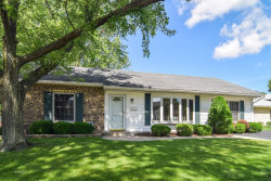 Photo of 652 Autumn Drive, ROSELLE, IL 60172 (MLS # 09986455)