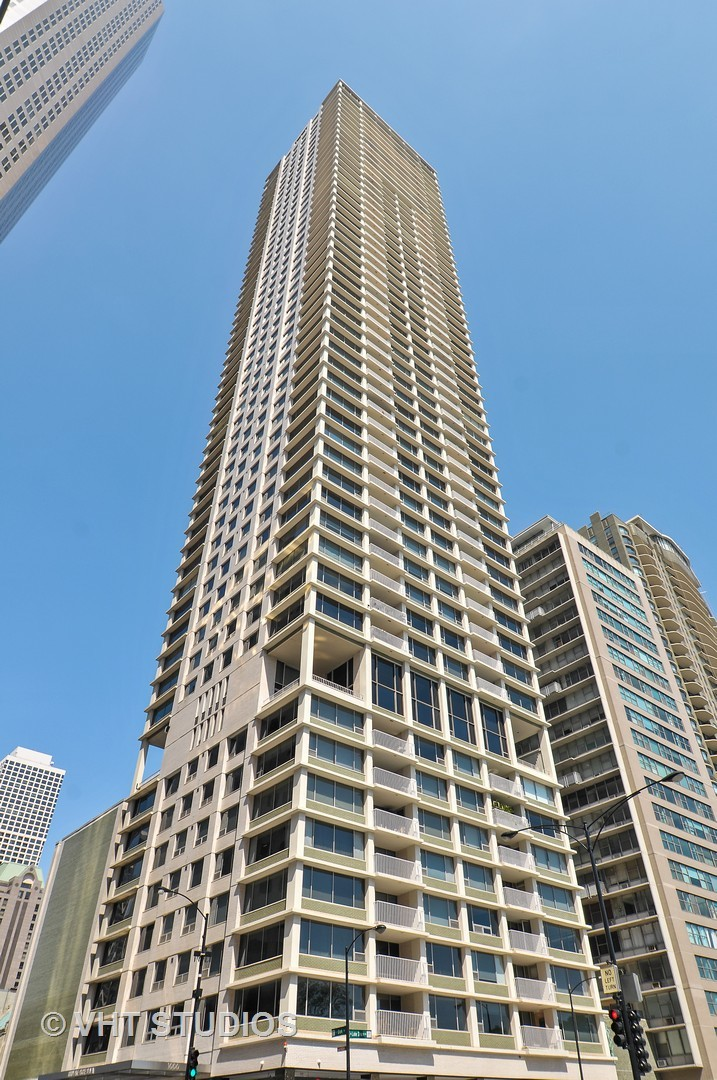 Photo for 1000 N Lake Shore Plaza, Unit Number 3B, CHICAGO, IL 60611 (MLS # 10010457)