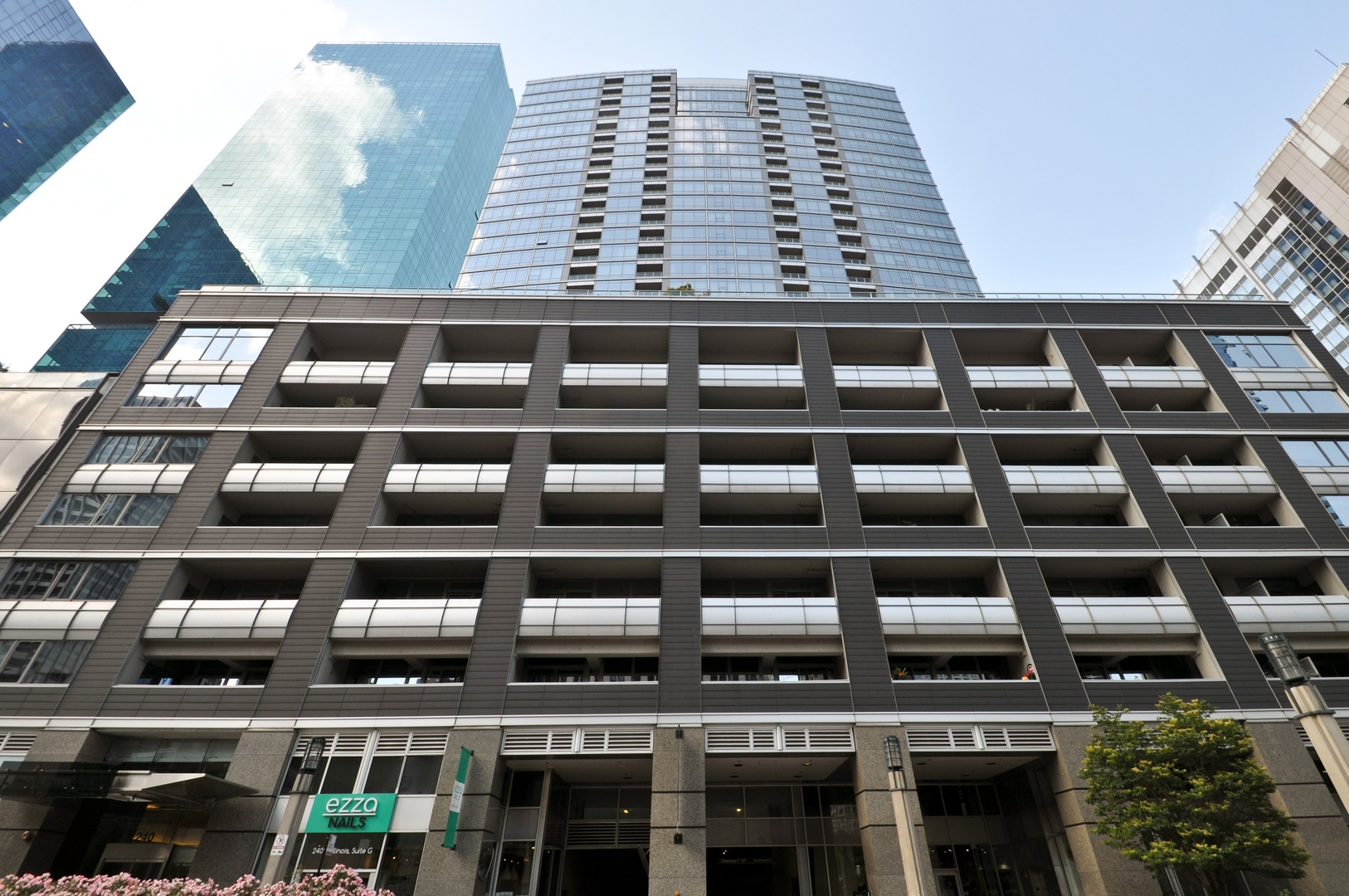 Photo for 240 E Illinois Street, Unit Number 2107, CHICAGO, IL 60611 (MLS # 10011454)