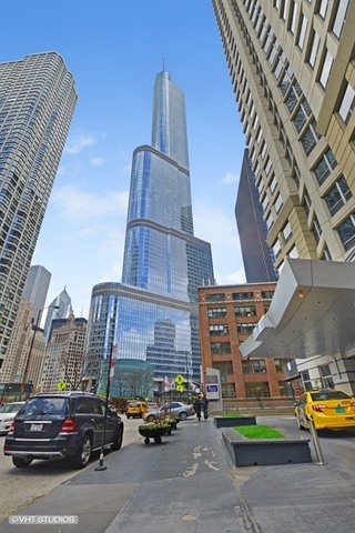 Photo for 401 N Wabash Avenue, Unit Number 31A, Chicago, IL 60611 (MLS # 10014066)