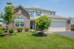 Photo of 5 Leeds Court, BOLINGBROOK, IL 60490 (MLS # 10020425)