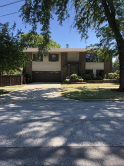 Photo of 1301 S Busse Road, MOUNT PROSPECT, IL 60056 (MLS # 10024007)