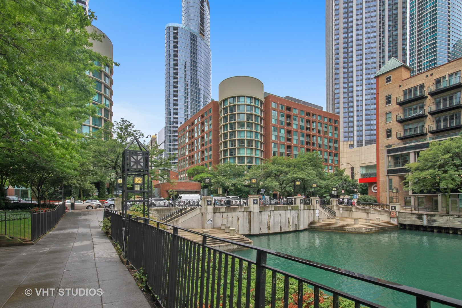 Photo for 480 N Mcclurg Court, Unit Number 1006, CHICAGO, IL 60611 (MLS # 10044988)