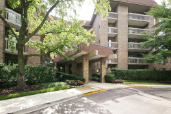 Photo of 1220 Rudolph Road, Unit Number 2G, NORTHBROOK, IL 60062 (MLS # 10047631)