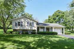 Photo of 814 W Country Drive, BARTLETT, IL 60103 (MLS # 10082304)