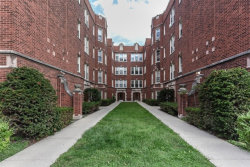 Photo of 4840 W Henderson Street, Unit Number 2B, CHICAGO, IL 60641 (MLS # 10089176)