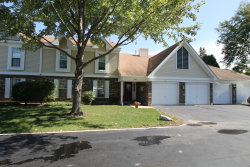 Photo of 860 Chasefield Lane, Unit Number 4, CRYSTAL LAKE, IL 60014 (MLS # 10098561)