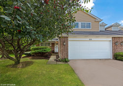 Photo of 824 Winchester Lane, NORTHBROOK, IL 60062 (MLS # 10104297)