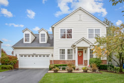 Photo of 411 Valley View Drive, ST. CHARLES, IL 60175 (MLS # 10106361)