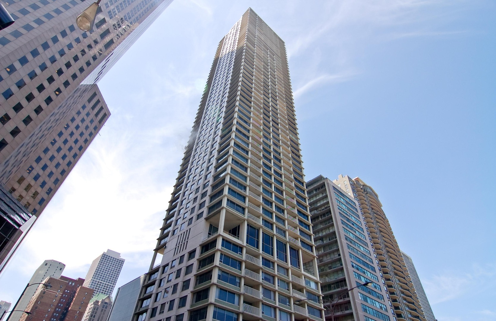 Photo for 1000 N Lake Shore Plaza, Unit Number 47AB, CHICAGO, IL 60611 (MLS # 10106860)