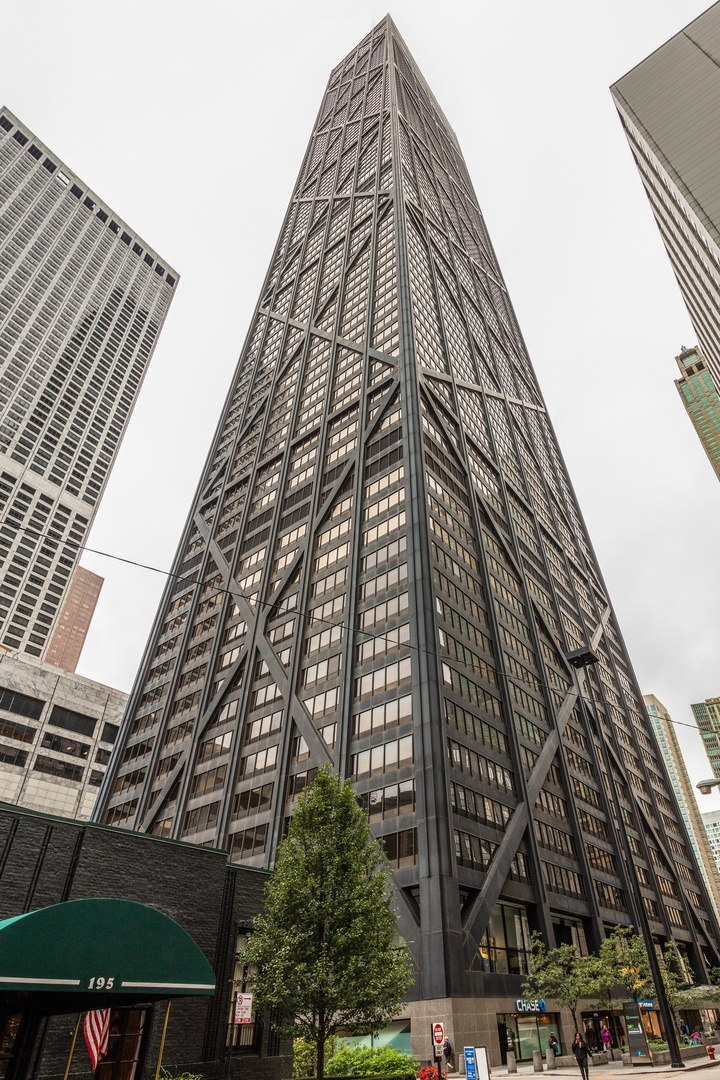 Photo for 175 E Delaware Place, Unit Number 7101, CHICAGO, IL 60611 (MLS # 10107186)