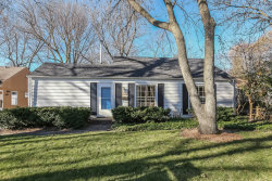Photo of 1420 Sycamore Lane, NORTHBROOK, IL 60062 (MLS # 10109340)