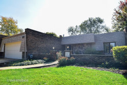 Photo of 10 Temple Garden Court, ST. CHARLES, IL 60174 (MLS # 10112126)