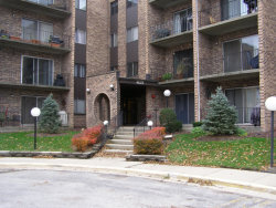 Photo of 625 W Huntington Commons Road, Unit Number 309, MOUNT PROSPECT, IL 60056 (MLS # 10133235)