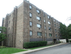 Photo of 5306 N Cumberland Avenue, Unit Number 303-3, CHICAGO, IL 60656 (MLS # 10136090)