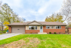 Photo of 410 S Busse Road, MOUNT PROSPECT, IL 60056 (MLS # 10136489)